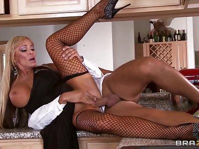 Fantastiс blonde milf with charming body Houston seduces lucky Keiran Lee