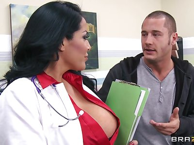 Busty wife Kiara Mia fucked without mercy wits her horny lover