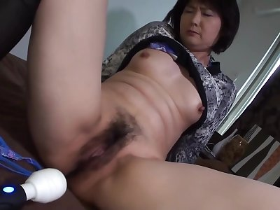 Mature Woman Working In A 48 Savoir faire Old Mature Woman And Gonzo
