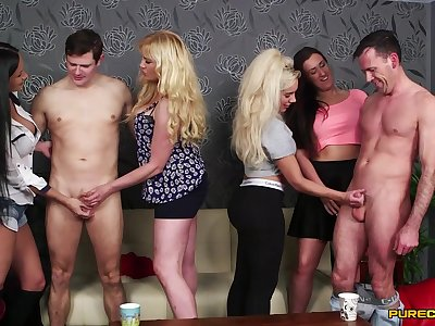 Lois Loveheart and Queenie C compete in a blowjob contest - CFNM