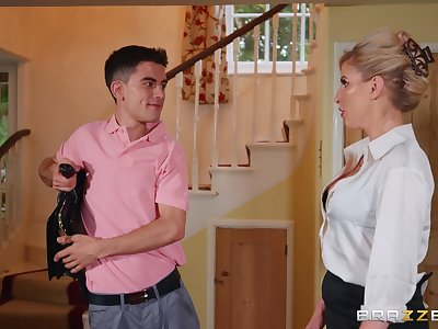 Dirty MILF Georgie Lyall takes a Latin boy for a test zeal