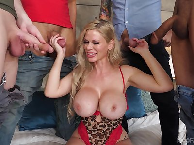 Cougar with keen on jugs, gangbang plus rivers of cum to flood those lips