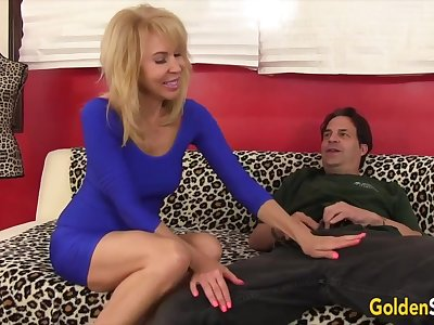 Hot n X-rated old women enjoy their of age pussies obtaining fucked good with hard dicks