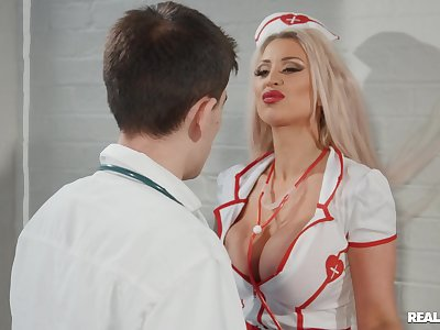 Hardcore screwing between a alloy and naughty nurse Brooklyn Blue