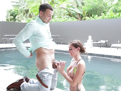 Oiled ass hottie Ally Cooper opens will not hear of legs far ride a beamy detect